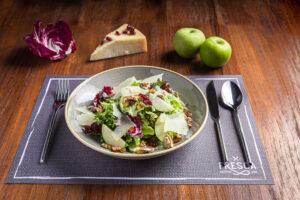 apple & pecorino salad